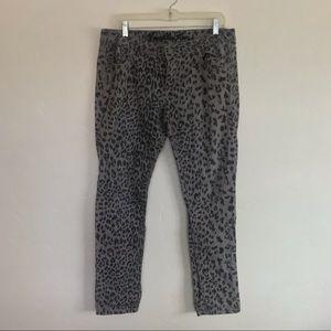 Vanilla Star Gray Leopard Skinny Leg Pants Size 15